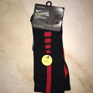 ❤️ NWT Nike Elite Dri Fit Basketball Crew Socks❤️